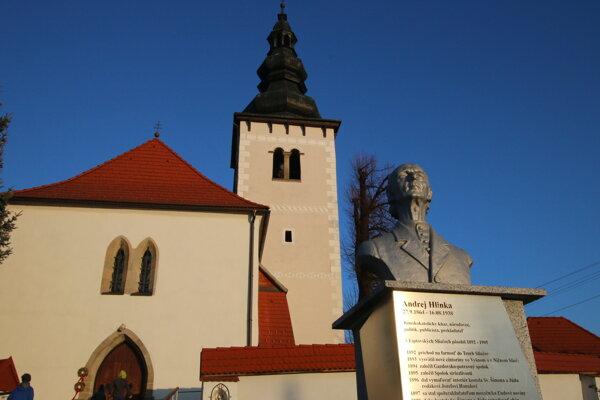 Kostol sv. Šimona a Júdu v Liptovských Sliačoch.
