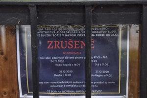 Oznam o zrušení verejných služieb božích v Kostole evanjelickej cirkvi augsburského vyznania v Bratislave.
