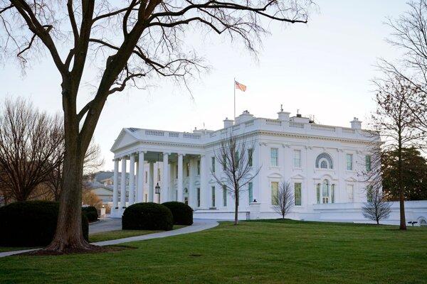 Biely dom.