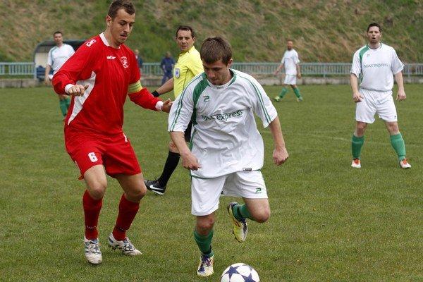 Piatu ligu Stred si nakoniec zahrá aj Chrenová. Vľavo kapitán Patrik Sailer.