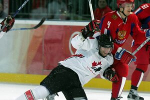 Todd Bertuzzi v drese Kanady.