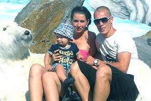 Karol Karlík s budúcou manželkou Renatou a synom Matteom.