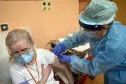 Jednou z možností, ako zrýchliť očkovanie, je vakcinácia seniorov.