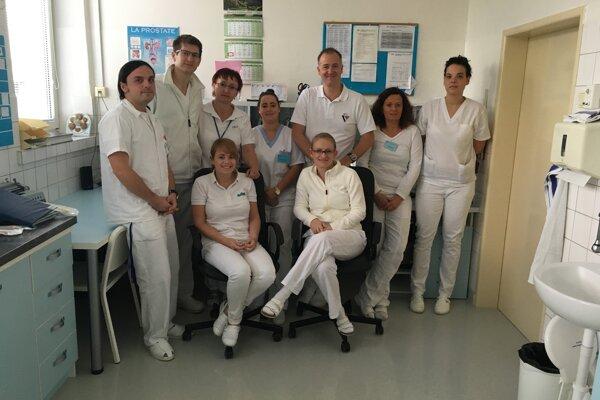 Personál urologického oddelenia bojnickej nemocnice.