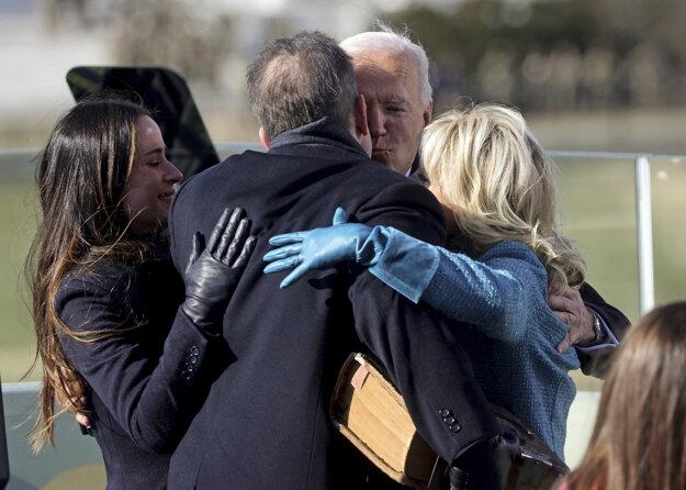 Joe Biden s manželkou a deťmi.
