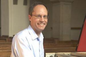 Terence Charlston sa predstaví v nedeľu v Evanjelickom kostole Svätého Ducha.