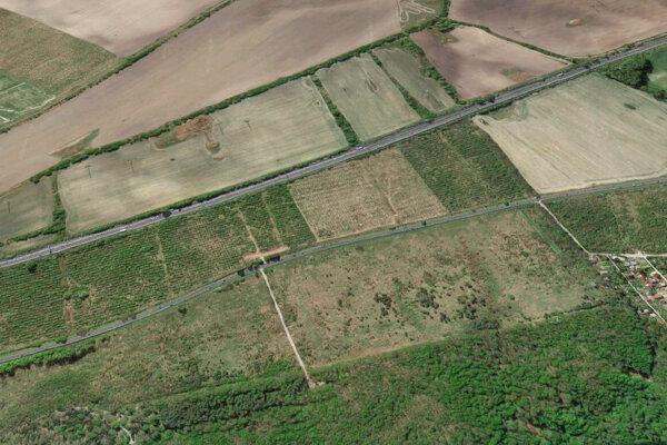 Pozemky, ktoré v dražbe kúpila spoločnosť KLM ZV I.