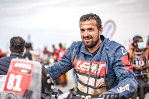 Erik Vlčák zažil úspešnú premiéru na Dakare.