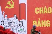 Výzdoba v Hanoji pri príležitosti celonárodného zjazdu vládnucej Komunistickej strany.