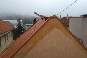 Obnovená strecha na Barónke.