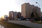 Neexistujúci južný obchvat teraz suplujú trnavské ulice na periférii najväčšieho sídliska Trnavy.