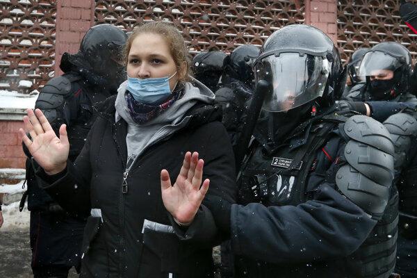 V ruských väzniciach končia aj mladé ženy.