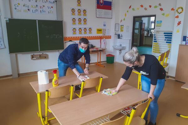V školách vrcholia prípravy na obnovenie vyučovania prezenčnou formou.