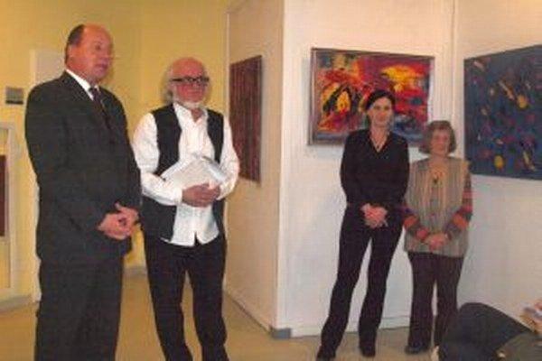 Vernisáž výstavy - zľava Daniel Magula, Viliam Široký, Henrieta Ďurovová a Oľga Palacká.