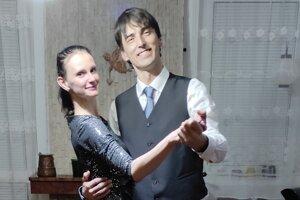 Doma plesala aj Monikina dcéra Michaela spriateľom.