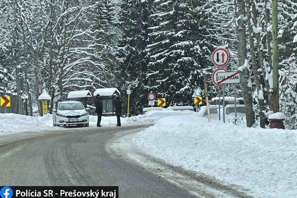 Hraničný priechod Tatranská Javorina - Lysa Poľana tiež zavrú.