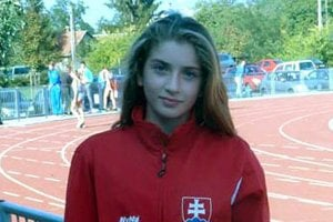 Emma Zapletalová vyhrala beh žiačok na 800 m.
