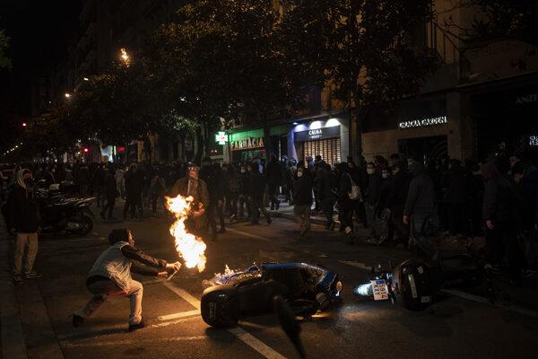 Protesty v Španielsku pokračovali.