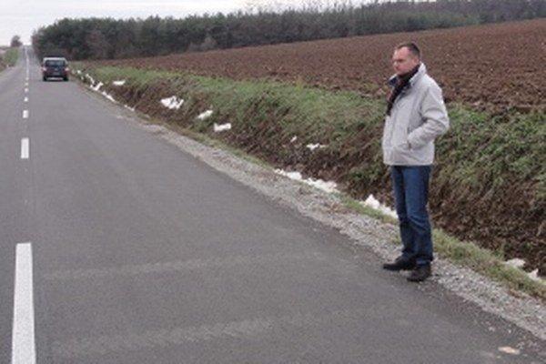 Počas jazdy na novej ceste od Doprastavu za pol milióna eur vodičov trasie.