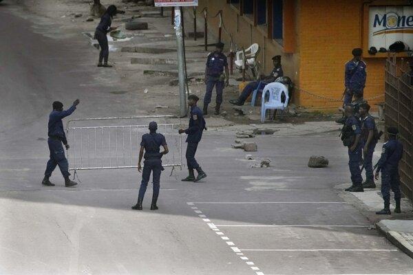 Príslušníci konžských poriadkových jednotiek.