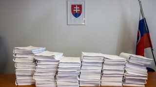 Občan robí úradom poštára. Čo má zmeniť nová vojna s byrokraciou?