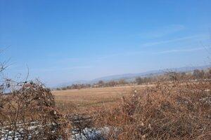Pozemky, na ktorých plánuje štát postaviť priemyselný park.