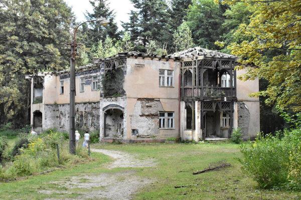 Jedna z budov Turzovských kúpeľov Vila Praha.