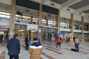 Ilustračné foto: Muž ohrozoval ľudí na železničnej stanici v Nových Zámkoch.