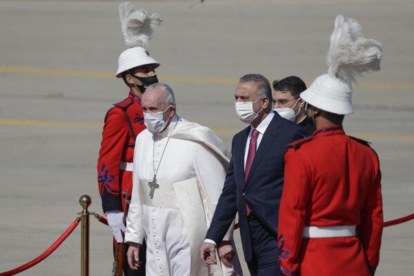 Františka privítal tamojší premiér premiér Mustafá Kázimí.