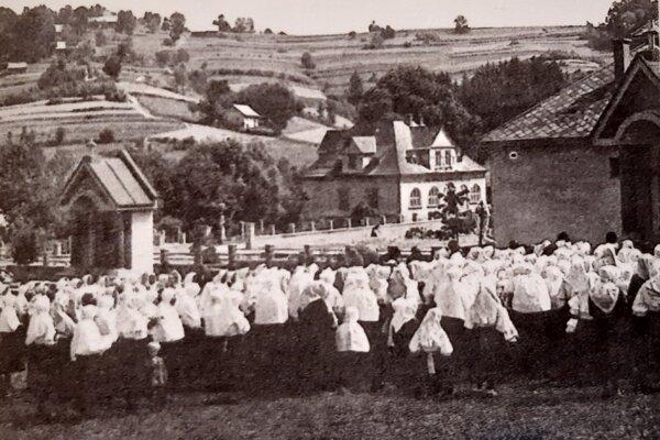 Púť k patrónke Slovenska spojená s posivackou novej kalvárie v roku 1941