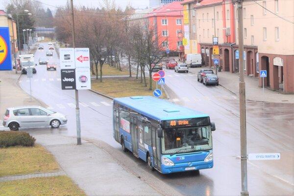 Z troch alternatív ostala jedna, mesto od nuly vybuduje  vlastný dopravný podnik.