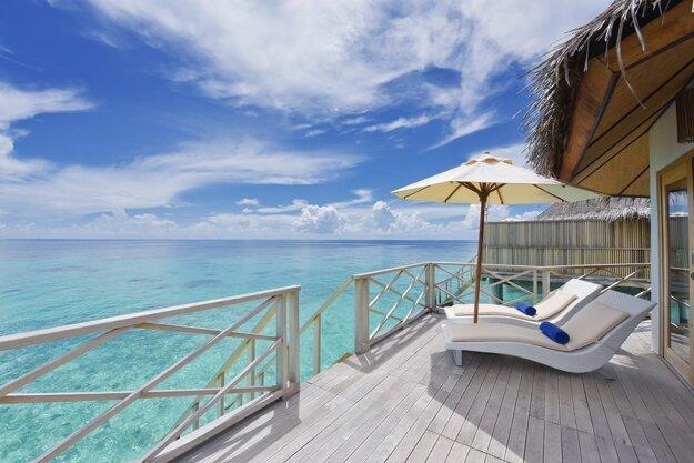 Angaga Island Resort & Spa 4*