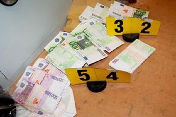 Falošné bankovky, ktoré zaistila polícia.