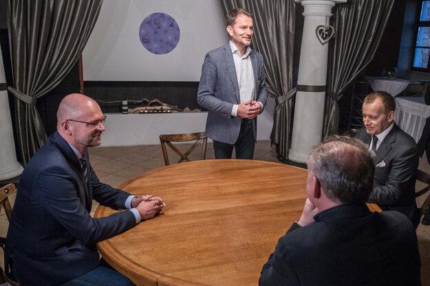 5. marec 2020. Igor Matovič, Boris Kollár, Andrej Kiska a Richard Sulík na spoločnej večeri pred začiatkom koaličných rokovaní o vytvorení vládnej koalície.