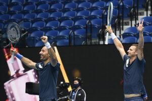 Ivan Dodig (vľavo) a Filip Polášek vyhrali Australian Open 2021.