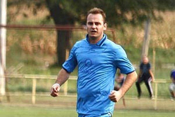 Peter Dobiaš prispel jedným gólom k hladkému víťazstvu Čeľadíc v Trsticiach.