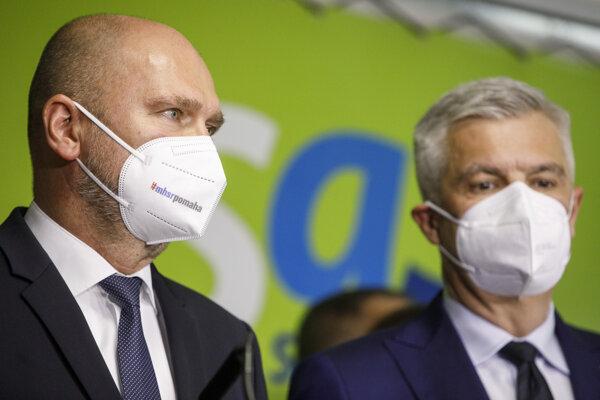 Predseda SaS a minister hospodárstva Richard Sulík a minister zahraničných vecí a európskych záležitostí SR Ivan Korčok.