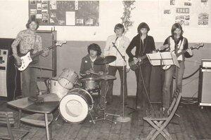 V roku 1976 vznikla hudobná skupina Limba. aktívna bola do roku 1983.