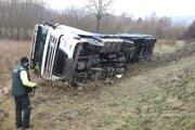 Vodič tohto kamióna si sadol za volant s viac ako piatimi promile alkoholu v krvi.