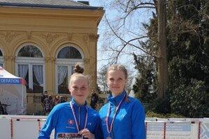 Vľavo Terézia Kurucová.