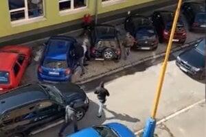 Policajti zasiahli v momente, keď František otváral kufor na aute.