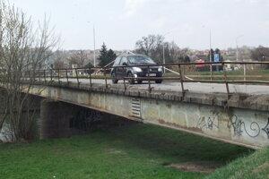 Most k bývalému zelokvetu.