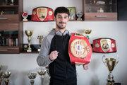 Viliam Tankó sa narodil v Tomášikove v roku 1995, boxuje od ôsmych rokov. Neskôr prestúpil do tímu Tomiho Kida – KO BOX CLUB GALANTA. Bol 13-krát majster Slovenska, medzi jeho úspechy patrí bronz na MEU Bulharsko 2014, bronz na Európskych hrách Baku 2015, bronz na MEU do 22 rokov Rumunsko 2017.