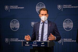 Podpredseda vlády a minister financií Igor Matovič počas tlačovej besedy na tému: Sputnik V. Dosť bolo klamstiev.