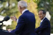 Americký prezident Joe Biden a japonský premiér Jošihide Suga.