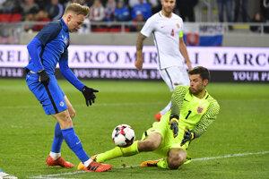 Nórsky brankár Rune Jarstein v zápase proti Slovensku.