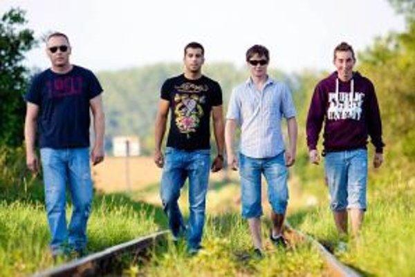 Kapela Ens – zľava Ľuboš Korčok, Michal Chrenko, Martin Ballay a Marek Muzika.