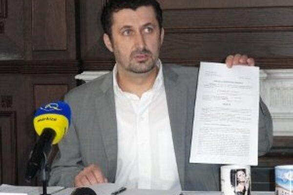 Peter Králik krátko po tom, čo na polícii podal v súvislosti s Milanom U. trestné oznámenie.