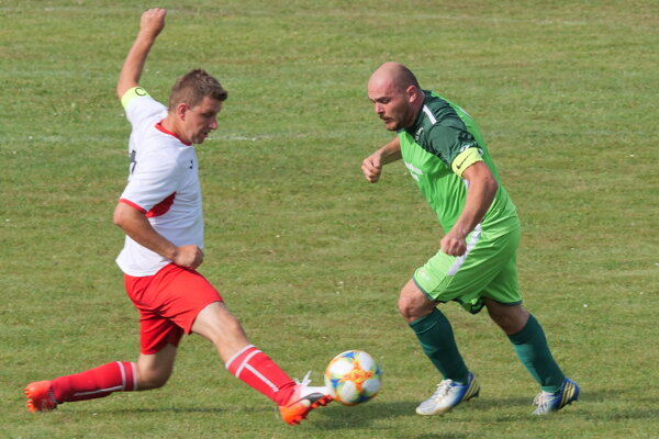 Kapitán Hrboltovej v zelenom proti kapitánovi z Lipt. Ondreja.