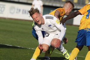 Po tomto páde medzi Mazanom a Ladjim si Benjamin Kindsvater pýtal penaltu pre Nitru.